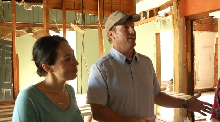 news fixer upper star chip gaines responds lawsuit against