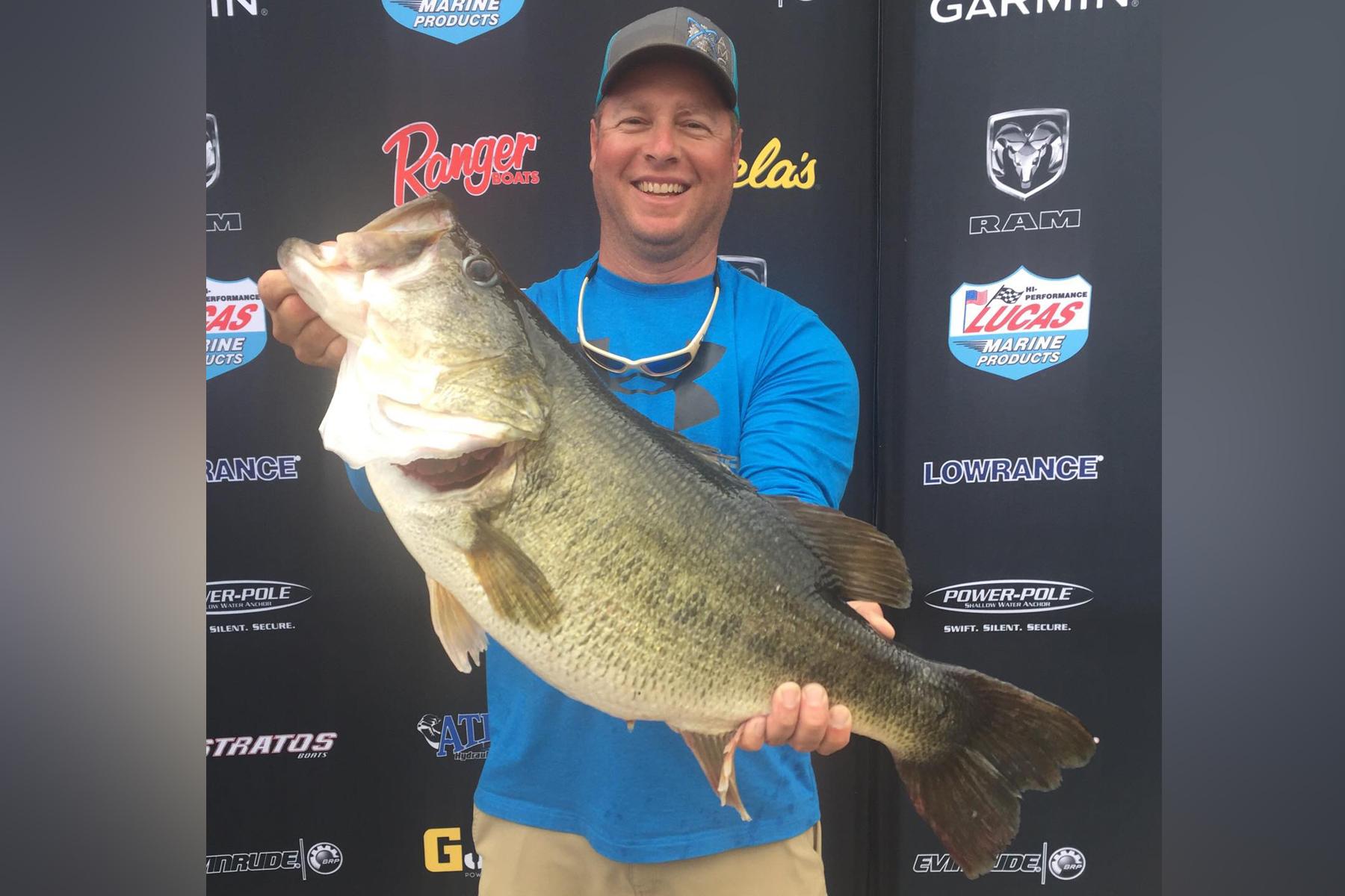Angler catches record largemouth bass at for Belton lake fishing